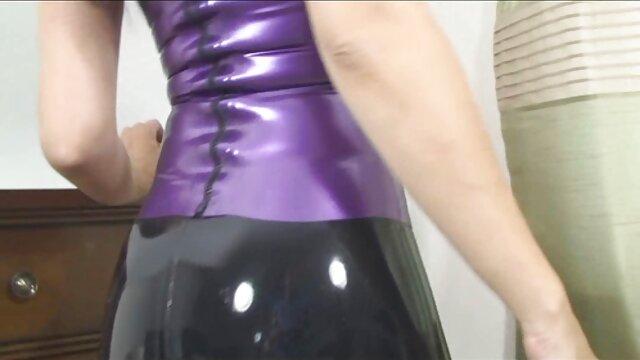 Chica xxx de espanolas con gafas adora el sexo anal