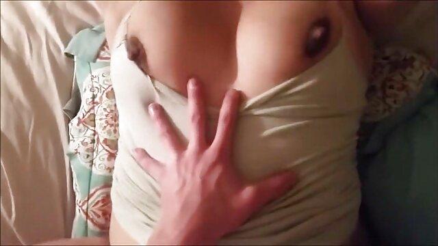 Mulata rizada chupando españolas sexo casero polla en la pintoresca costa