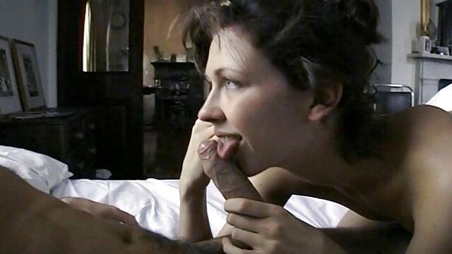 Ava y su amiga sedujeron españolas con negros xxx a un tío en el gimnasio