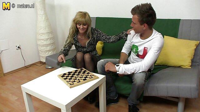 Karina en un xxx jovenes españolas chat runetka se folla con verduras