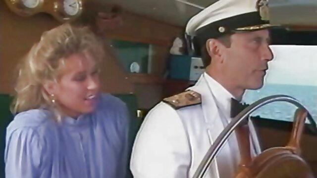 Hottie ocupada es follada ver videos xxx de españolas por el culo por una morena con grandes tetas