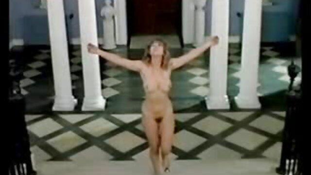 Puta en bragas blancas gime de polla videos gratis de españolas follando dura en su vagina