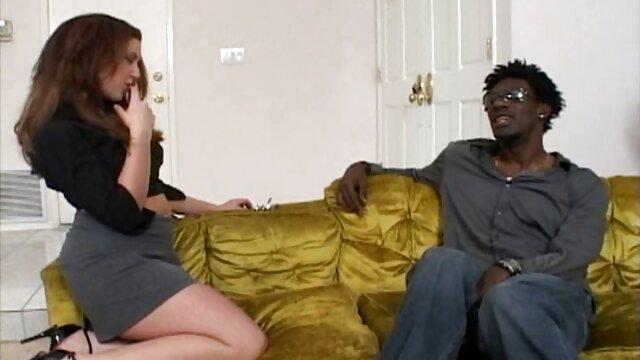 Chica blanca videos de despedidas de solteras españolas de 18 años con un culo fantástico es follada apasionadamente por un semental negro