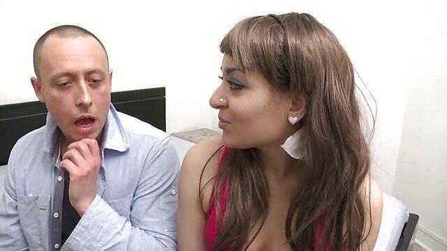 El taxista tiró a un pasajero regordete de tetas naturales colgantes videos de despedidas de solteras españolas para follar