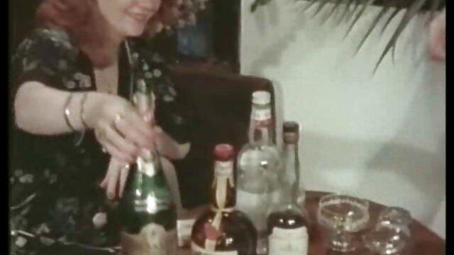 Dos tíos se masturban el agujero de una japonesa accesible xxx camara oculta españolas