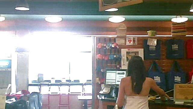 Pezones de inodoro monitoreados a través de xxx de espanolas cámara oculta