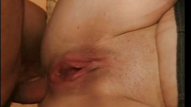 Áspero maduras españolas follando gratis amante azotado y follada duro rubia en medias