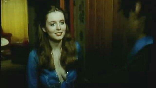 Hermosa rubia es famosa maduras españolas corriendose por ser follada en un casting porno