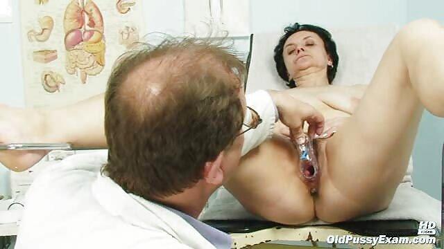 Stephanie le hizo cunnilingus a su amiga maduras españolas peludas follando apasionada