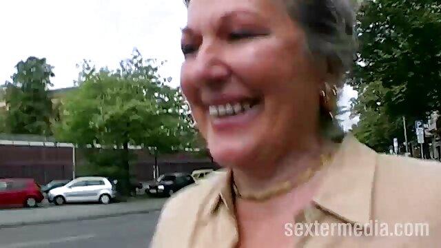 Sexo lésbico de chicas lindas en el videos porno gratis latinos césped