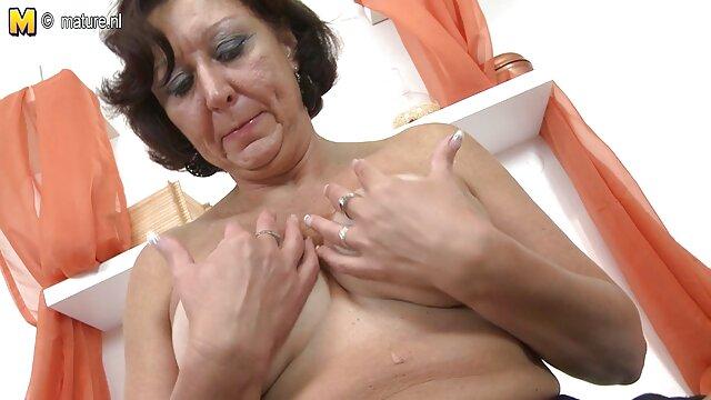Una hermosa chica es dryuchat durante una sesión videos pornos gratis maduras españolas de masaje