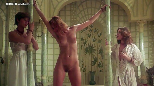 Sexy stripper acaricia su peludo coño xxx gratis españolas después de bailar