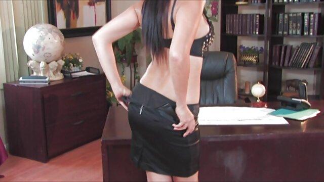 Sexo en grupo españolas rubias xxx con una rubia mayor