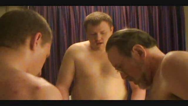 Morena madura espanolas cojiendo gime fuerte de sexo con un joven enérgico