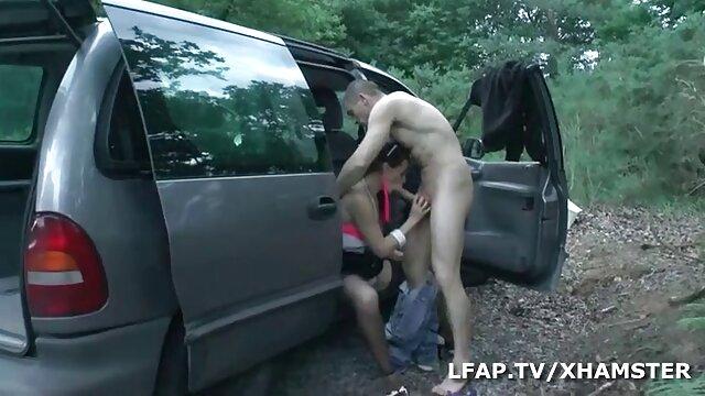 Dos perras lesbianas pelirrojas lamen follando españolas tetonas el coño