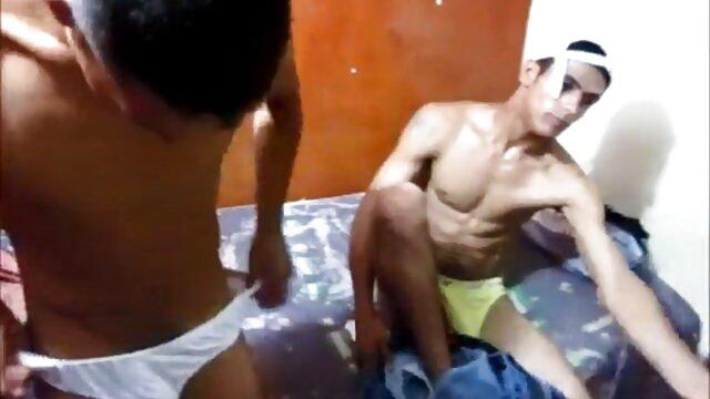 Blanco videos pornos de jovenes españolas y negro le dieron a la chica una doble penetración
