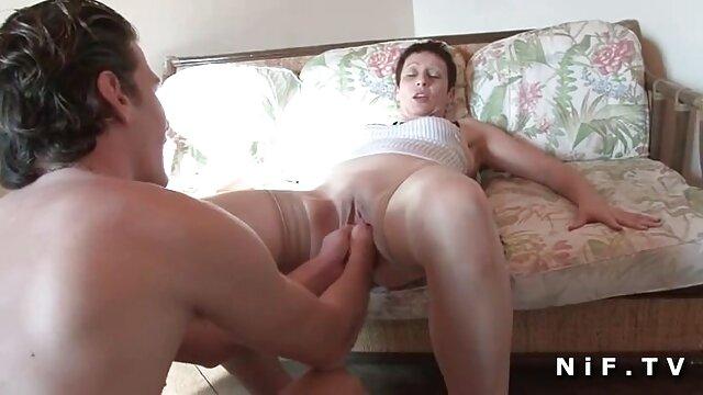 Linda cogiendo españolas folla con una lesbiana tetona adulta
