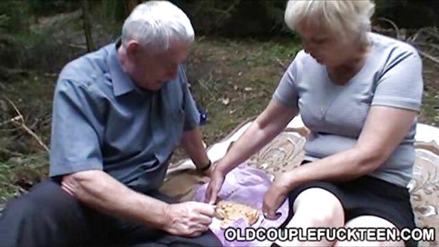 Las mamadas profesionales enseñan xxx por dinero españolas las sutilezas de la succión adecuada
