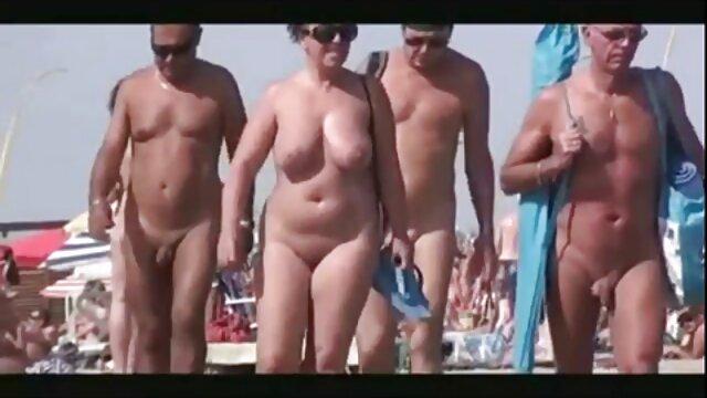 Chicas increíbles son acariciadas en rubias19 españolas una pose de tijera