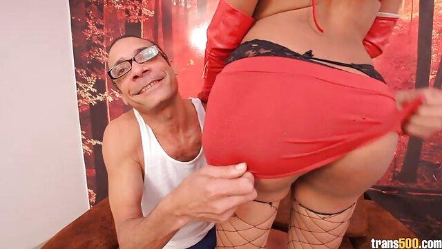 Una fan se folla a gordas xxx españolas una hermosa modelo en su camerino