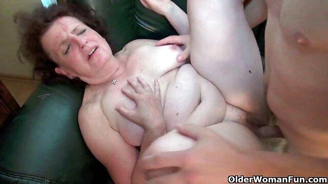 Gran sexo lésbico en un picnic con masturbación hermanos españoles xxx en botella
