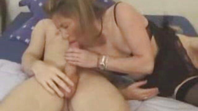 Jovencitas rusas frotan sus xxx gordas españolas cuerpos desnudos entre sí
