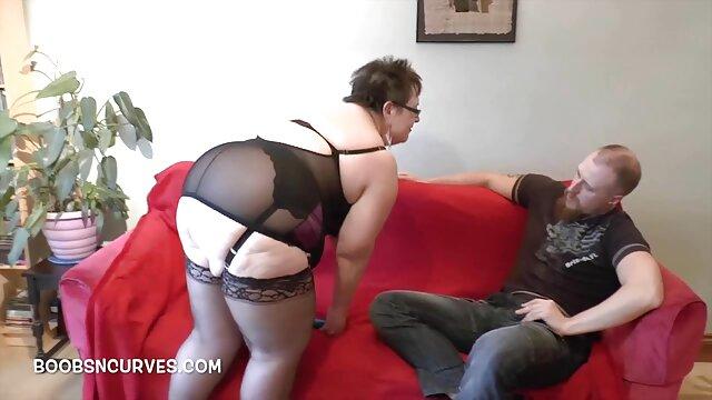 Chicas video porno audio latino duras en látex strapon atado chico en el culo