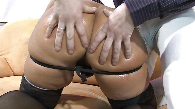 La espanolas cojiendo chica atrapó un fuerte orgasmo de su hábil masturbación