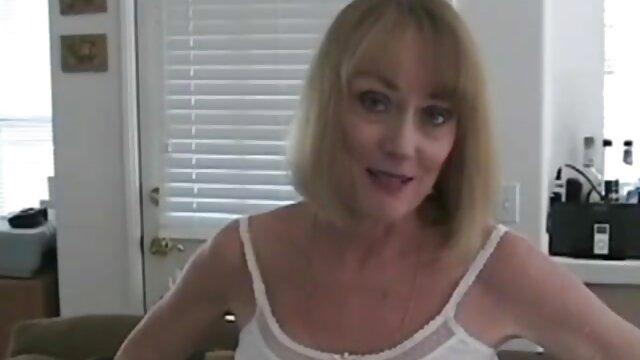 Calvo azota a su novia de videos caseros españoles follando pelo largo en el culo hasta que se pone roja