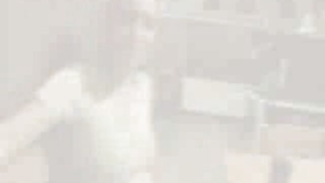 Un negro con un enorme videos poeno españoles colgado fríe una belleza en su coño