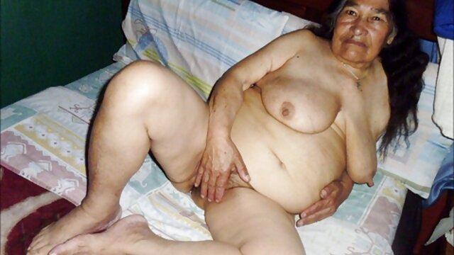 Modelo webcam tatuada mostró su cuerpo desnudo españolas cogiendo a los usuarios de bongacams