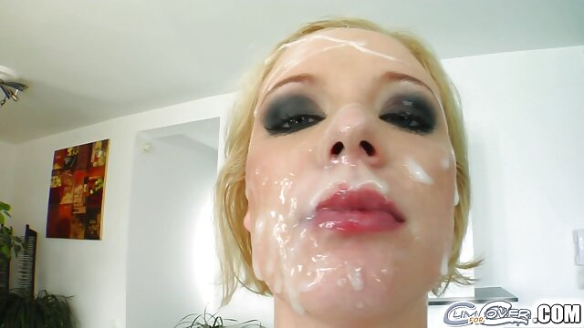 La linda Helena se ríe ver videos porno españolas con descaro de tu pequeño pene